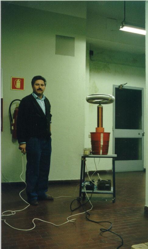 Mazzilli Vladimiro S Tesla Coil Images Click On An Image